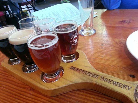 Deschutes Brewery: Beer sampler