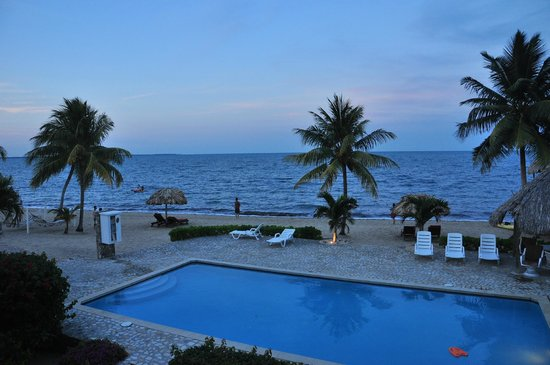 Jaguar Reef Lodge & Spa: View from Gardenia Suite