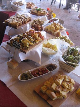 Origgio, Italy: Agri-buffet