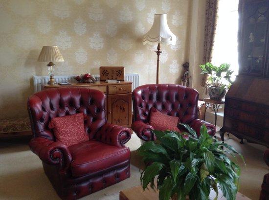 Edwardene Hotel: Guests Lounge