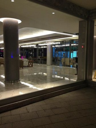 Mirage World Resort Hotel: reception area
