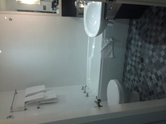 Sydney Harbour Marriott Hotel at Circular Quay : Bathroom