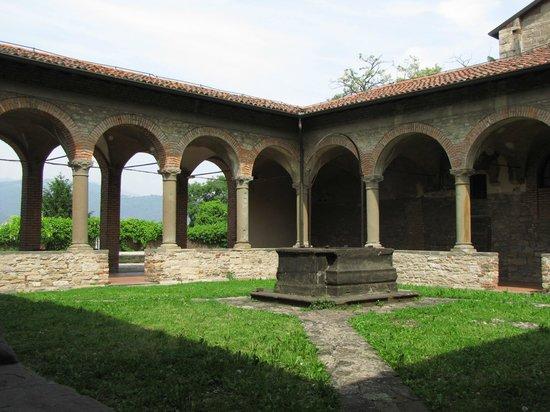 Convento Di San Francesco: ilchiostro del pozzo