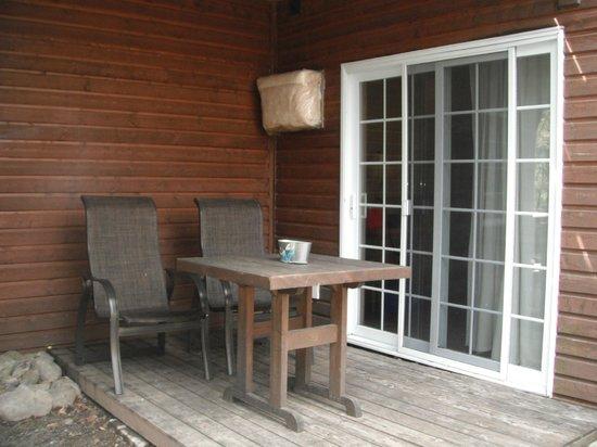 Auberge Beaux Reves Et Spa (Sweet Dreams Inn) : terrasse à la chambre