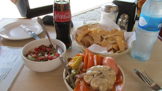 Don Cafeto Mar Caribe : Pickled appetizer with every meal.