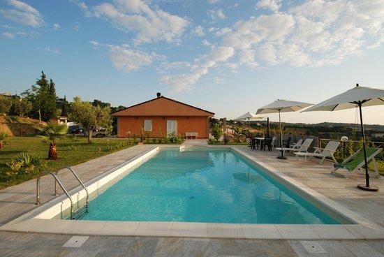 B&B Il Giardino Mediterraneo: piscina