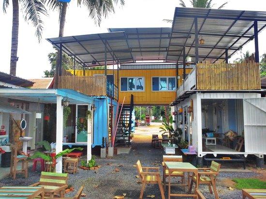 Think & Retro Cafe' Lipa Noi Samui: Retro Restaurant