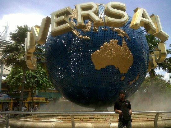 Universal Studios Singapore : :))