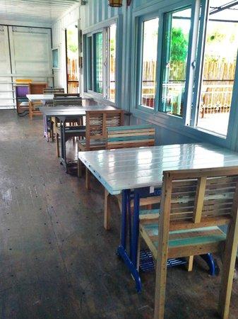 Think & Retro Cafe' Lipa Noi Samui: Recyecle Ideas