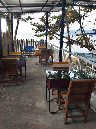 Think & Retro Cafe' Lipa Noi Samui: Recycle Ideas
