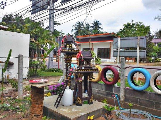Think & Retro Cafe' Lipa Noi Samui: Our Spirit House