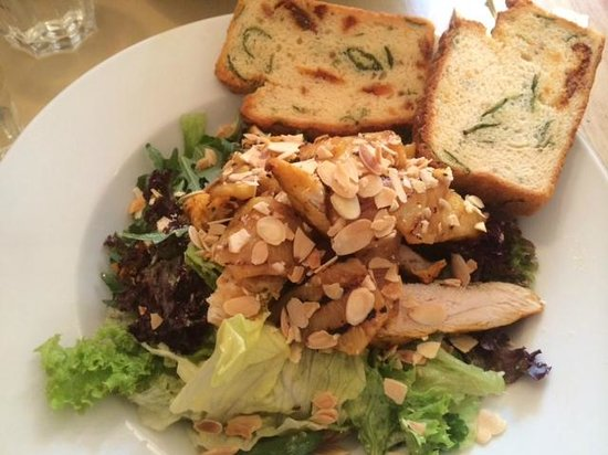 37 West: Delish Chicken, pineapple and almond salad wtih gluten free tomato bread