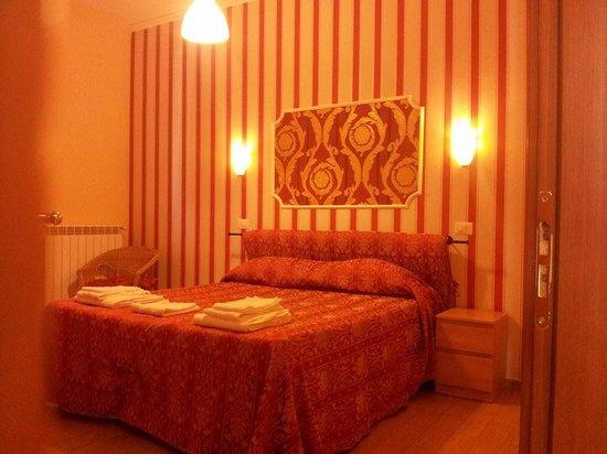Hotel Magnolia Roma Valmontone: FOTO CAMERA