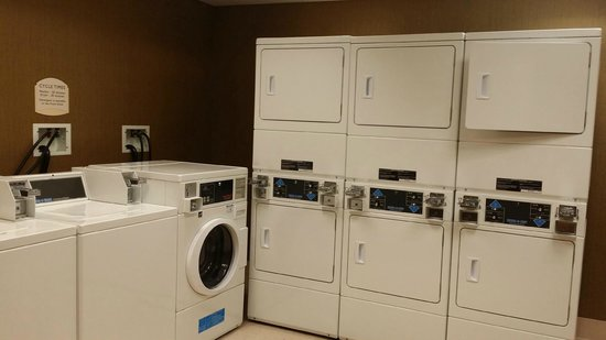Residence Inn Atlantic City Airport Egg Harbor Township: Laundry Room