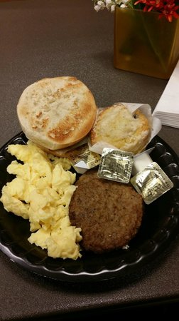 Residence Inn Atlantic City Airport Egg Harbor Township : Free breakfast (also have homemade waffles, toast, cereal, muffins and fruit)