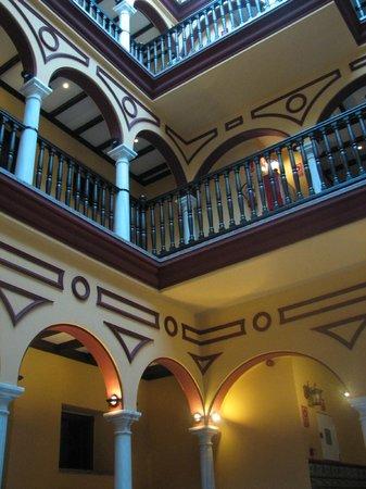 Itaca Sevilla: Hotel Itaca courtyard