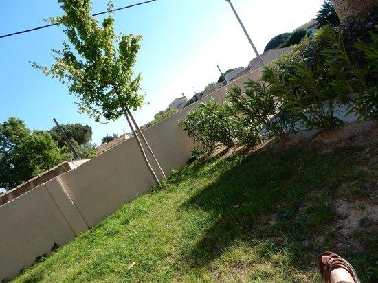 Résidence Odalys Le Mas des Flamants: Jardin