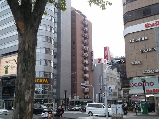 Sanco Inn Nagoya Shinkansenguchi : 駅方向から見るホテル外観