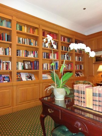 The Chesterfield Palm Beach: Library