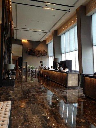 The Okura Prestige Bangkok: Lobby area