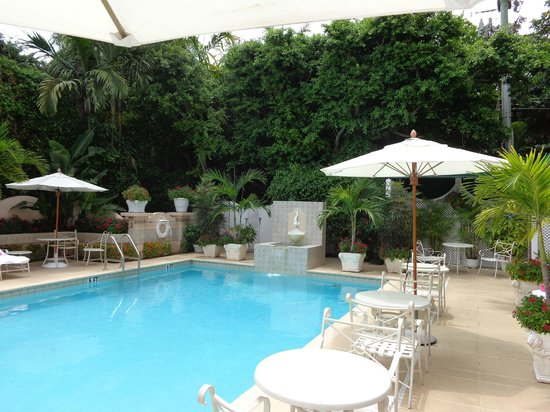 The Chesterfield Palm Beach: Outdoor Pool & Hot Tub