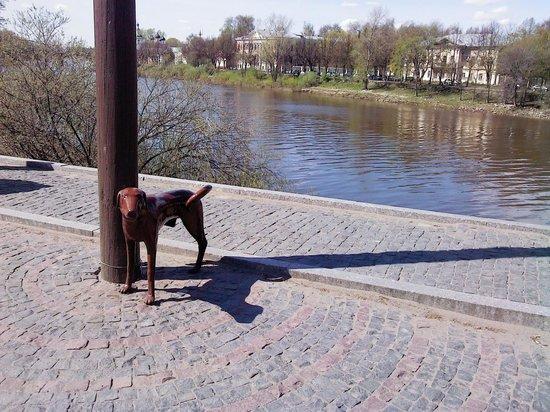 Monument to a lamppost: Вид на реку Вологда