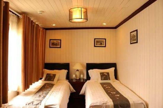 Darian Culbert: Lovely Room