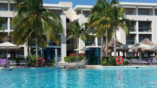 Paradisus Playa del Carmen La Perla: Excellent adult only pool area