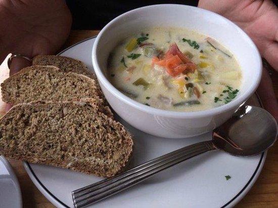 Byrnes Restaurant: Delish seafood chowder €6
