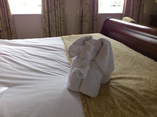 Warner Leisure Hotels Thoresby Hall Hotel: Don't ring housekeeping for your 'missing' towels. Here they are!