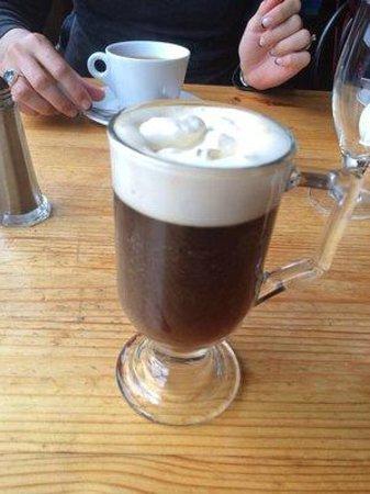 Byrnes Restaurant and Accommodation: Delish Irish coffee €6
