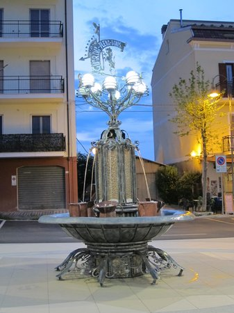 Bed & Breakfast Il Mulino : Фонтанчик в старой части города