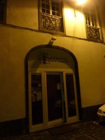 Reserva Bar: Entrance