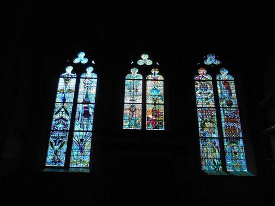 Les vitraux de Jean Cocteau à l'église Saint-Maximin de Metz : Vue d'ensemble