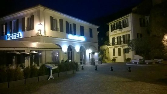 Hotel Restaurant Les Deux Freres: restaurant