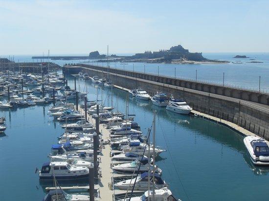 Radisson Blu Waterfront Hotel, Jersey: The Marina & Elizabeth Castle