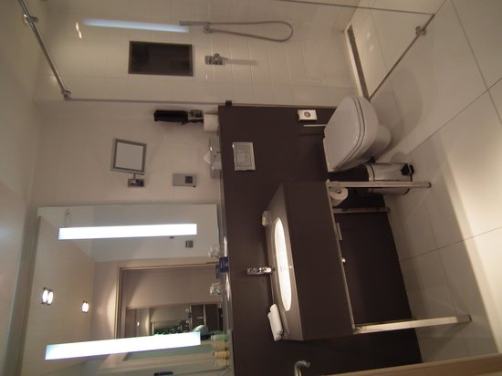 Radisson Blu Belorusskaya Hotel: Bathroom