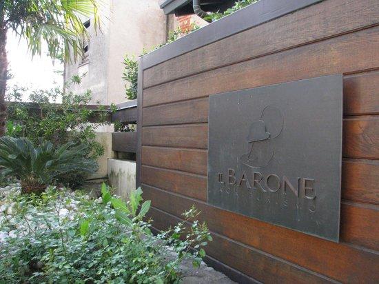 Agriturismo Il Barone : Entrata dal cancello carraio
