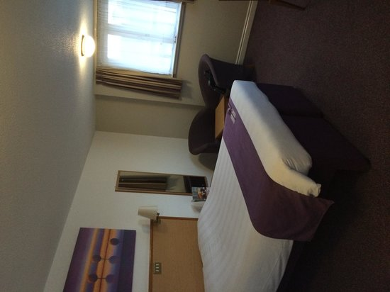 Premier Inn Edinburgh City Centre (Haymarket) Hotel: 3