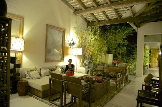 Hotel Casa Lola: Sitting area, second floor