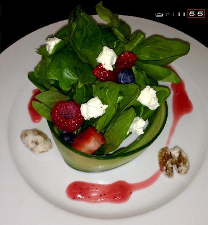 Grill 55 : Summer Berry Salad (catering presentation)