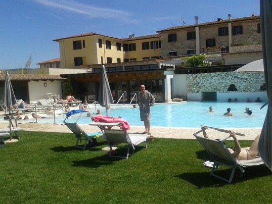 San Giovanni Terme Rapolano: piscina acqua 39 dedicata ospiti hotel