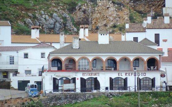 Apartamentos San Anton : exterior de los apartamentos