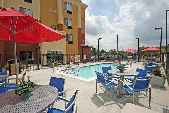 TownePlace Suites Aiken Whiskey Road : Seasonal Saltwater Pool