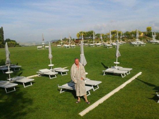 San Giovanni Terme Rapolano: prato riservato ospiti hotel