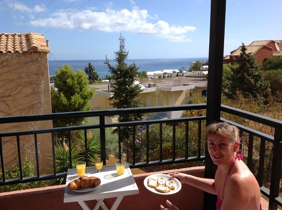 Petra Village Apartments: Bit of breakfast