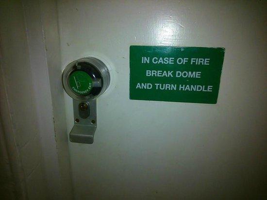 Pavilion Hotel: Top security on the room door.
