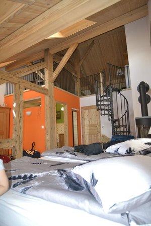 Bed and Breakfast L'Abricotier : vista del soppalco dal letto