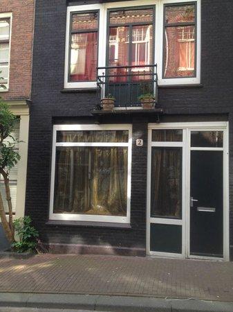 Truelove Guesthouse: Entrada