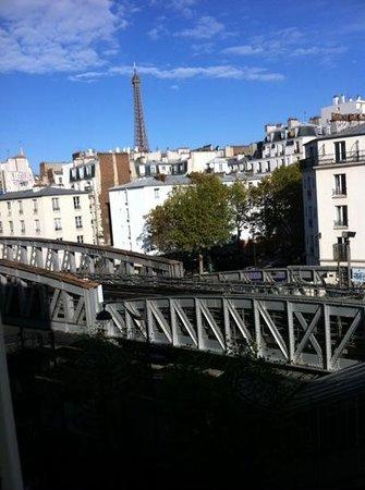 Art Hotel Eiffel: vista dal balconcino.